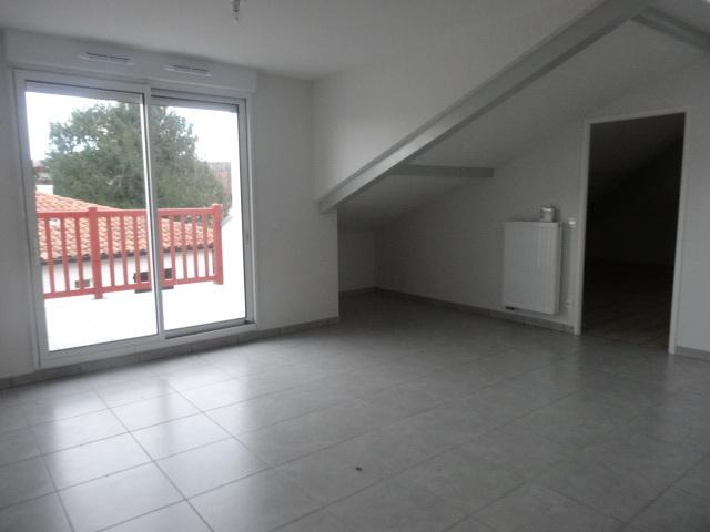 Location Appartement 3 pièces 41m² Cambo-les-Bains (64250) - photo