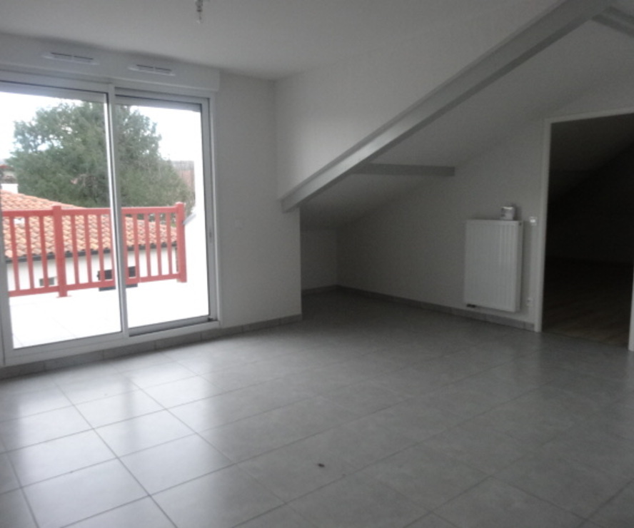 Location Appartement 3 pièces 41m² Cambo-les-Bains (64250) - photo