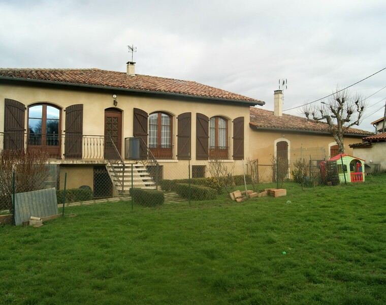 Sale House 8 rooms 266m² L ISLE JOURDAIN - photo