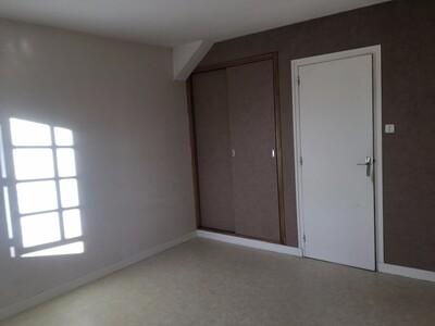 Location Maison 6 pièces 146m² Sury-le-Comtal (42450) - Photo 6