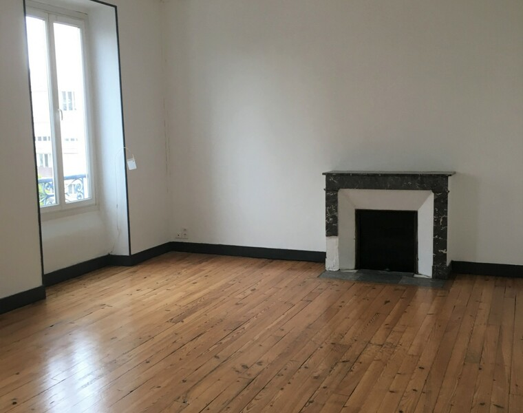 Renting Apartment 3 rooms 80m² Pau (64000) - photo