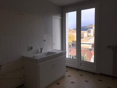 Location Appartement 3 pièces 68m² Saint-Étienne (42100) - Photo 10