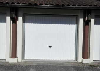 Location Garage 13m² La Côte-Saint-André (38260) - Photo 1