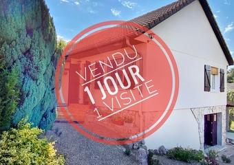 Sale House 5 rooms 75m² Athesans-Étroitefontaine (70110) - Photo 1