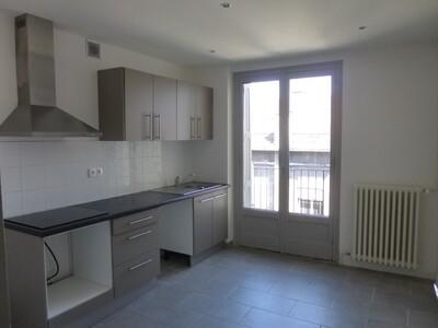 Location Appartement 2 pièces 59m² Saint-Étienne (42000) - Photo 3