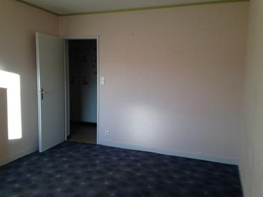 Location Appartement 1 pièce 32m² Lure (70200) - photo