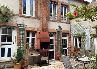 Vente Maison 6 pièces 230m² Ouzouer-sur-Trézée (45250) - Photo 1