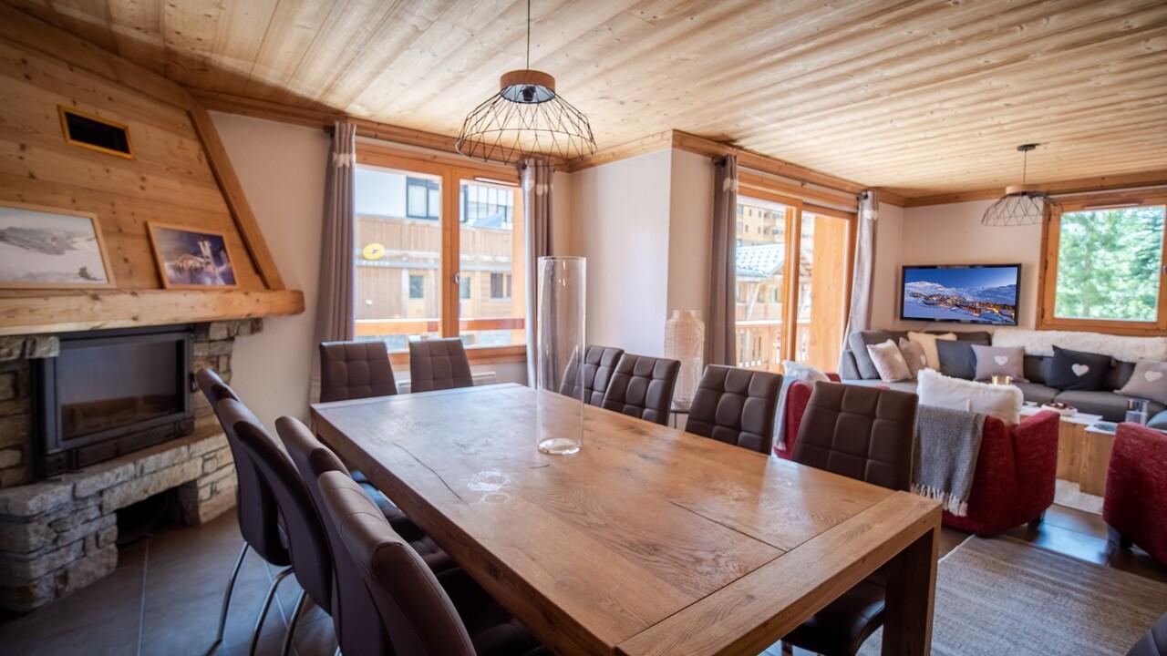 SPACIOUS APARTMENT SKI RESORT CENTER Chalet in Val Thorens
