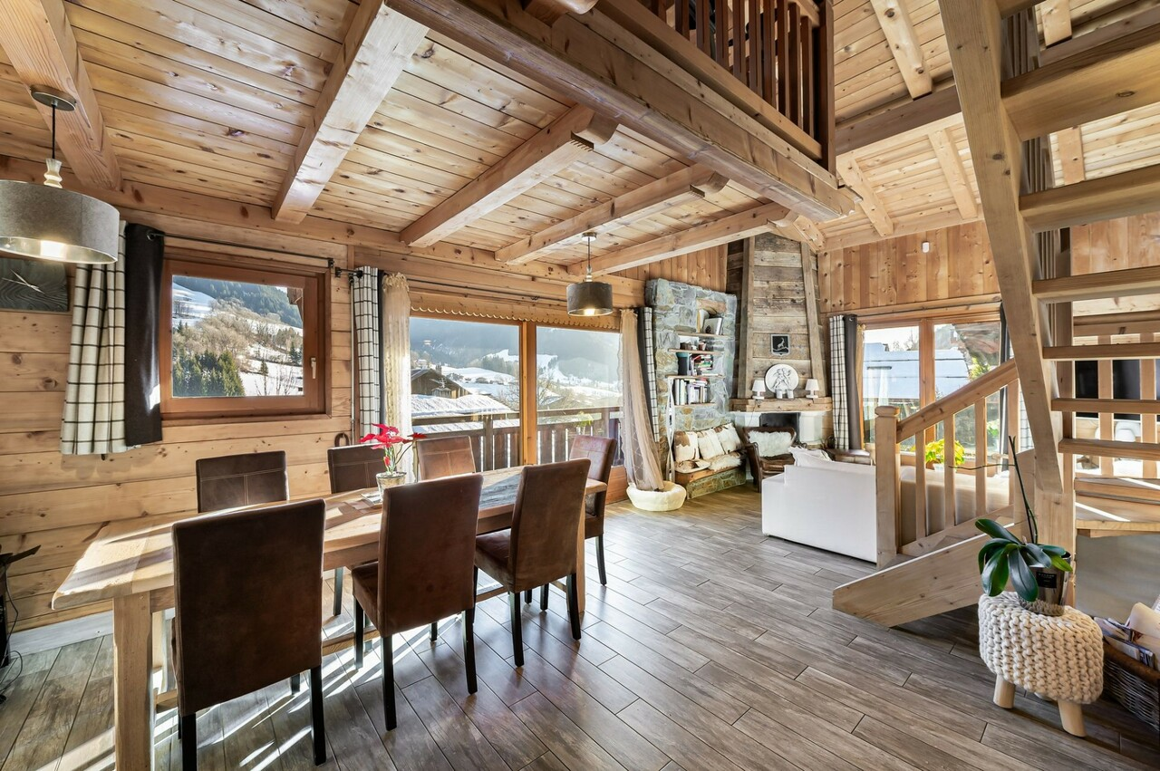 CHALET WITH BEAUTIFUL VOLUMES Chalet in Megeve