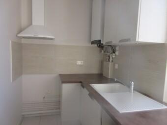 Location Appartement 3 pièces 58m² Ézy-sur-Eure (27530) - photo 2