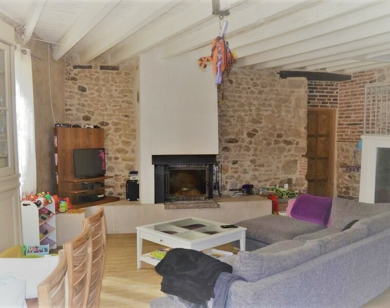 Vente Maison 8 pièces 210m² Saint-Bonnet-le-Troncy (69870) - photo