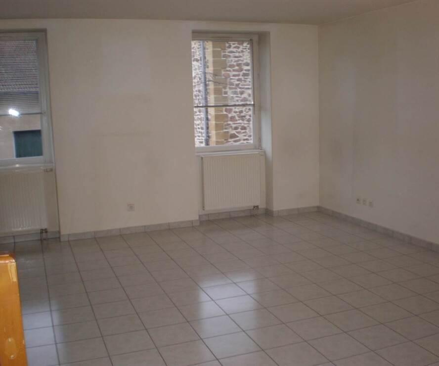 Location Appartement 4 pièces 97m² Cours-la-Ville (69470) - photo