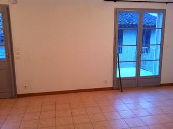 Renting Apartment 3 rooms 54m² Saramon (32450) - photo 2