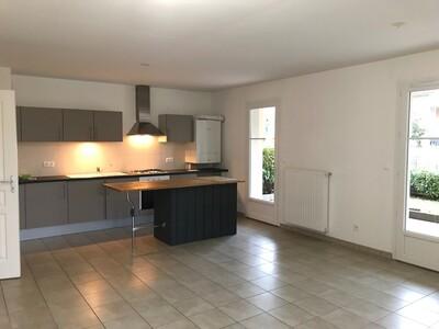 Location Appartement 3 pièces 71m² Savigneux (42600) - photo