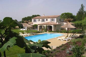 Location Maison 7 pièces 240m² Saint-Rémy-de-Provence (13210) - Photo 1