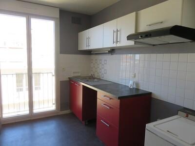 Location Appartement 3 pièces 70m² Pau (64000) - Photo 4