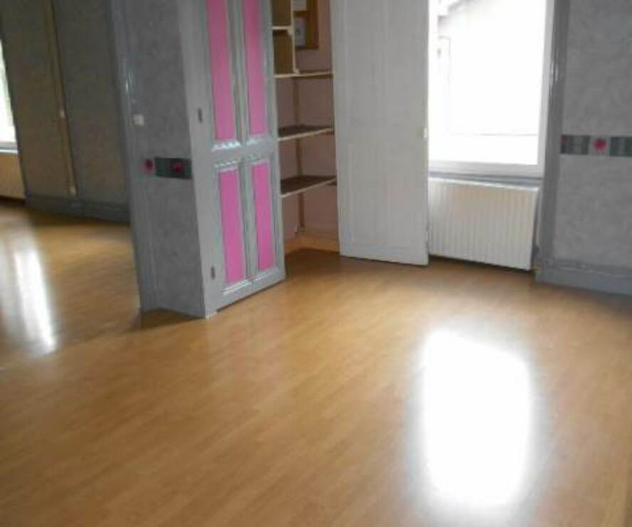 Location Appartement 4 pièces 90m² Pont-Trambouze (69240) - photo