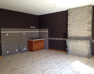 Renting Apartment 2 rooms 68m² Lure (70200) - photo
