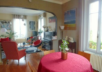 Sale House 8 rooms 217m² Nogent-le-Roi (28210) - Photo 1