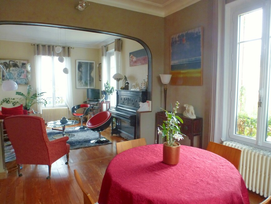 Sale House 8 rooms 217m² Nogent-le-Roi (28210) - photo