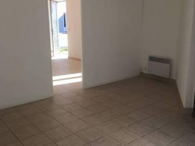 Location Bureaux 2 pièces 45m² Pontonx-sur-l'Adour (40465) - Photo 1