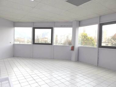 Location Bureaux 2 pièces 46m² Seyssinet-Pariset (38170) - photo