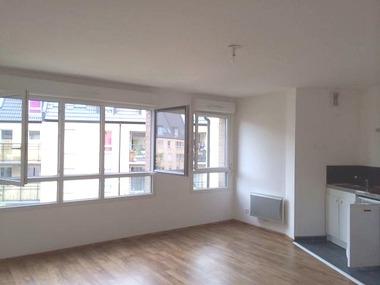 Location Appartement 1 pièce 30m² Bourbourg (59630) - photo