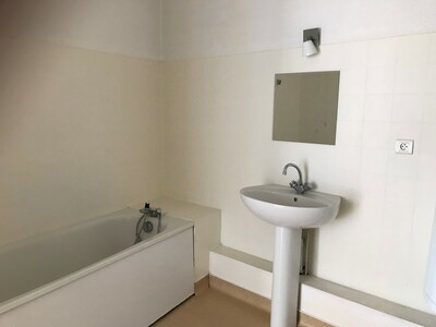 Location Appartement 3 pièces 55m² Saint-Étienne (42000) - Photo 5