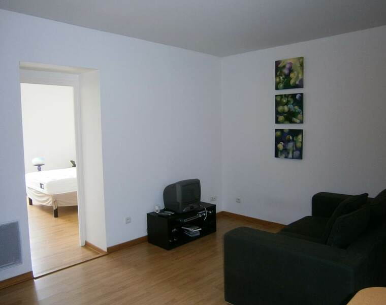 Location Appartement 60m² Bourg-de-Thizy (69240) - photo
