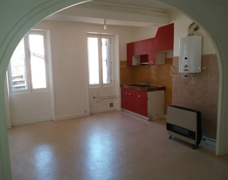 Location Appartement 67m² Charlieu (42190) - photo