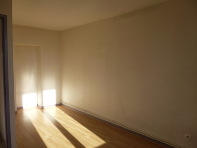 Location Appartement 3 pièces 56m² Saint-Étienne (42000) - Photo 7