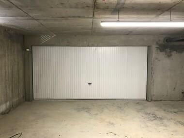 Location Garage 29m² Poisat (38320) - photo