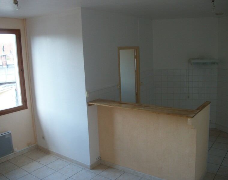 Location Appartement 3 pièces 55m² Tergnier (02700) - photo