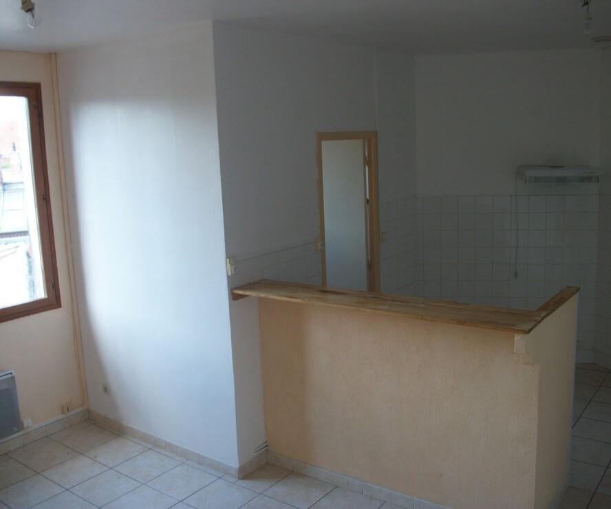 Location Appartement 3 pièces 55m² Tergnier (02700) - photo