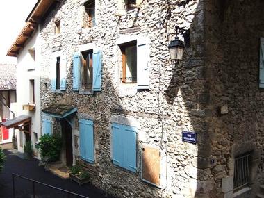 Location Appartement 2 pièces 57m² Saint-Jean-en-Royans (26190) - photo