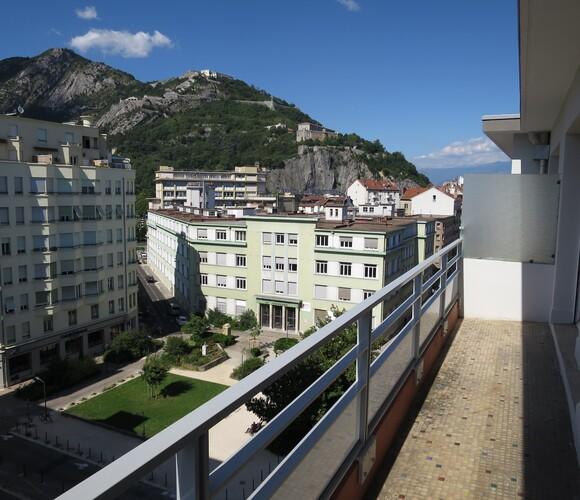 Location Appartement 4 pièces 95m² Grenoble (38000) - photo
