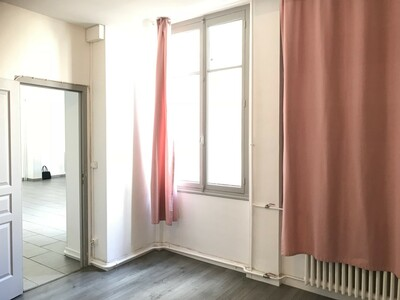 Location Appartement 2 pièces 69m² Saint-Étienne (42000) - Photo 7