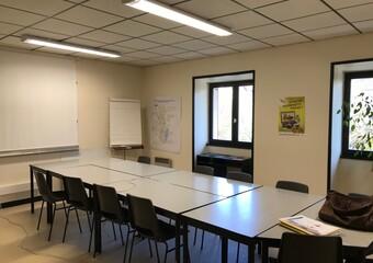 Location Bureaux 5 pièces 95m² Novalaise (73470) - Photo 1