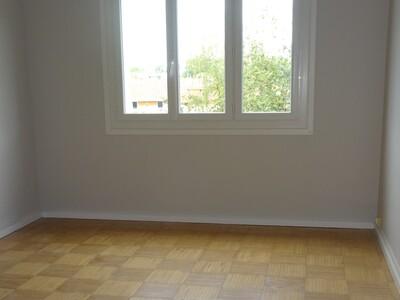 Location Appartement 4 pièces 78m² Pau (64000) - Photo 3