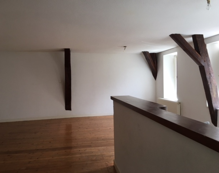 Location Appartement 87m² La Clayette (71800) - photo