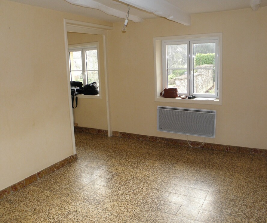 Location Appartement 2 pièces 48m² Saint-Denis-de-Cabanne (42750) - photo