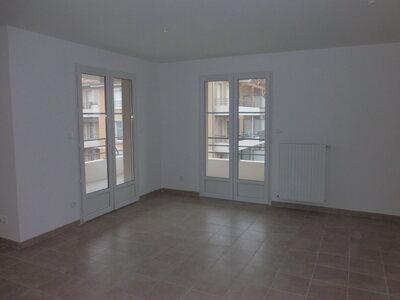 Location Appartement 4 pièces 78m² Savigneux (42600) - Photo 8