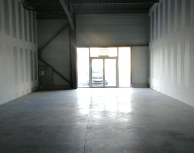 Vente Local commercial 198m² Montélimar (26200) - photo