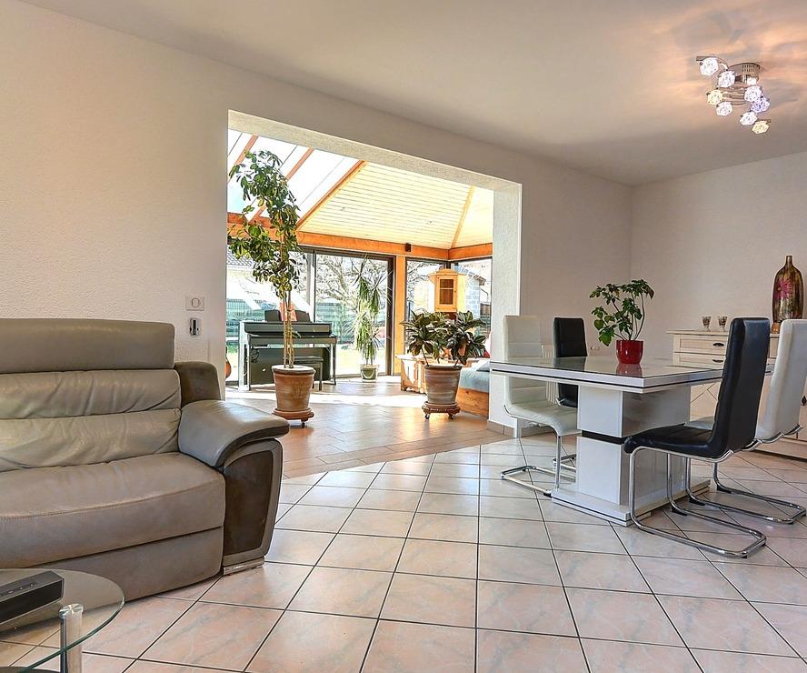 Sale House 5 rooms 143m² Saint-Pierre-en-Faucigny (74800) - photo