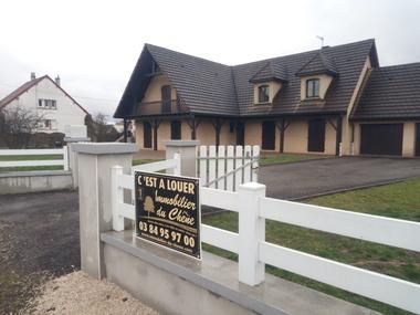 Location Maison 7 pièces 200m² Luxeuil-les-Bains (70300) - photo