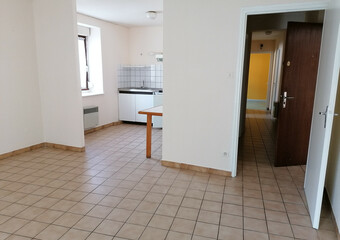 Sale Apartment 3 rooms 67m² Luxeuil-les-Bains (70300) - photo