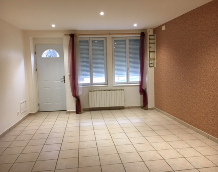 Location Appartement 96m² Bourg-de-Thizy (69240) - photo