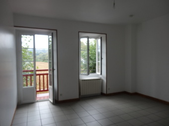 Location Appartement 3 pièces 61m² Cambo-les-Bains (64250) - photo 2