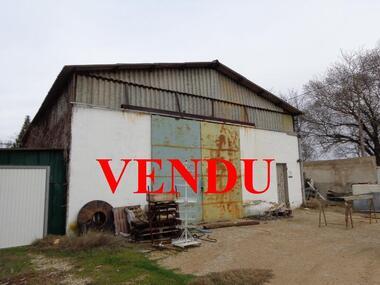 Sale Industrial premises 170m² Puyvert (84160) - photo