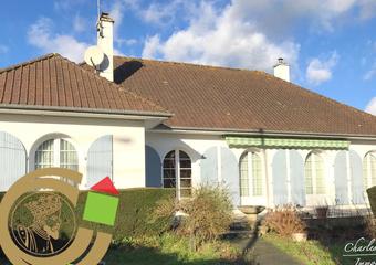 Vente Maison 11 pièces 196m² Beaurainville (62990) - photo